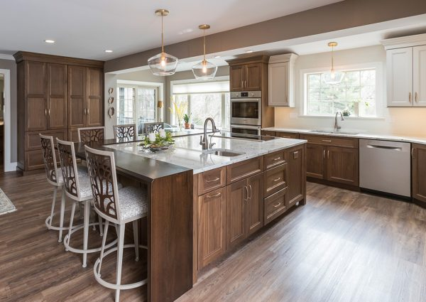 Kitchen Island Designs & Uses