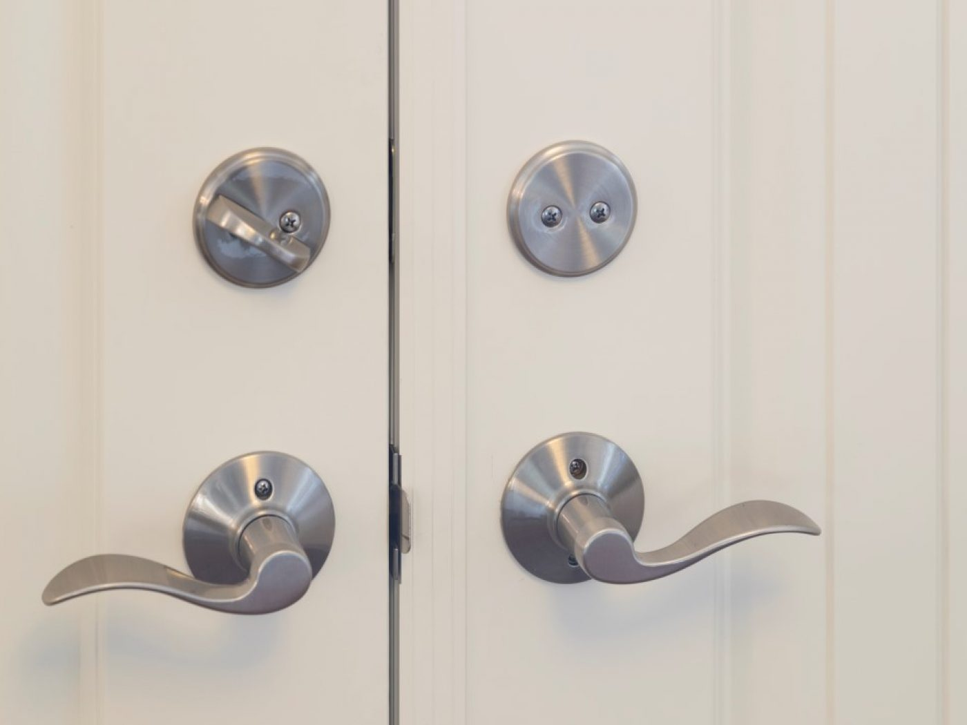 door handles on white door