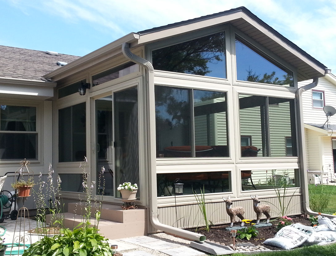 3-Season sunroom from exterior
