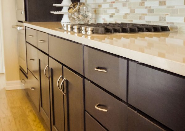 Custom vs. Semi-Custom Cabinets: Which is Right for You?