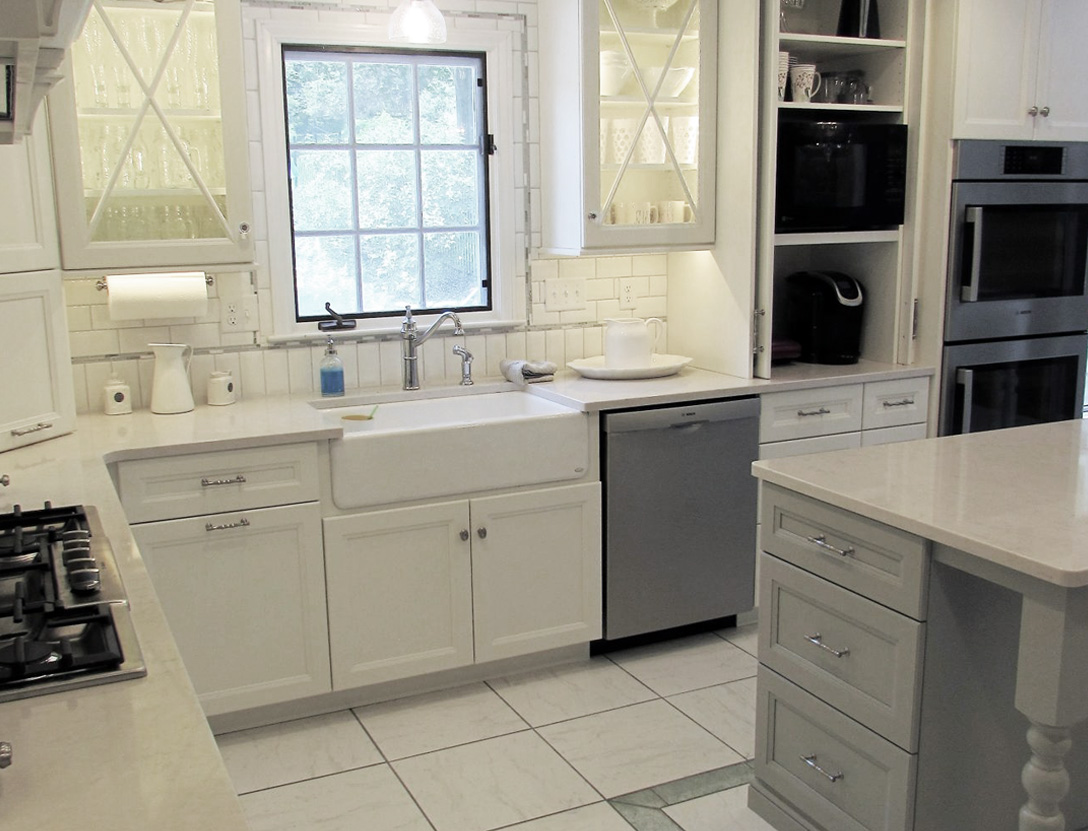 Cabinet color scheme white and gray
