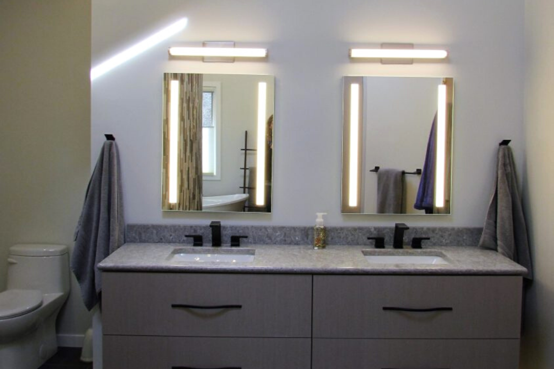 Luxury bathroom vanity lighting