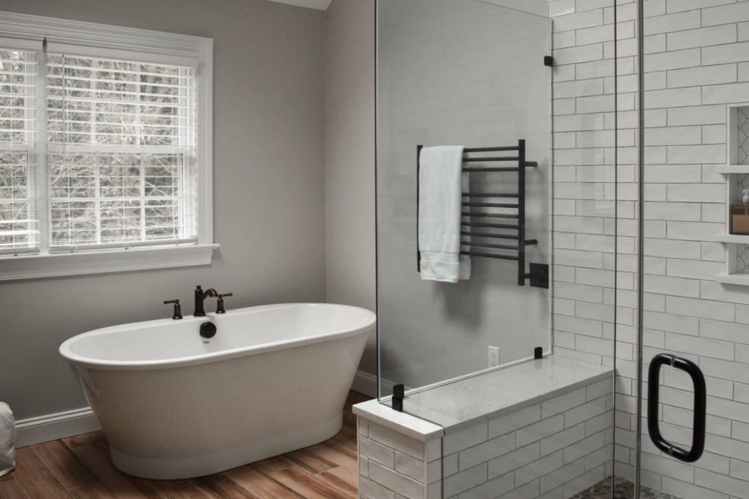 Separate tub and shower combo