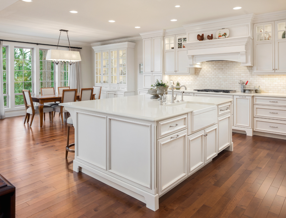 Large white kitchen island trend